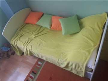 Dečiji krevet, komoda i orman