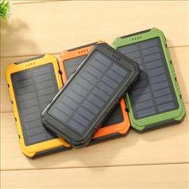 Eksterna baterija sa solarnim punjenjem