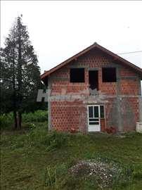 Prodajem kucu u izgradnji