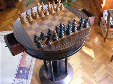 Šahovski sto iz 1930. god.