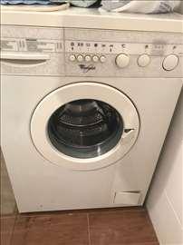 Mašina za pranje veša Whirlpool