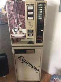 Poluatomatski aparat za kafu