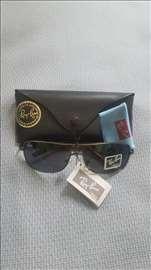 Ray Ban sunčane naočare crno staklo model 8022
