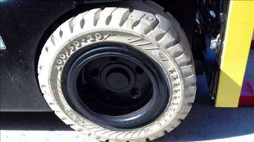 Potrebne su vam nove Trelleborg gume za viljuškar?