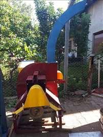Mašina za sečenje granja i otpadnog drveta