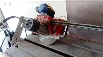 Mašina za sečenje mermernih ploča