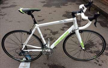 Merida Ride 88 Road bike srednje 54cm NOVO RRP £ 5