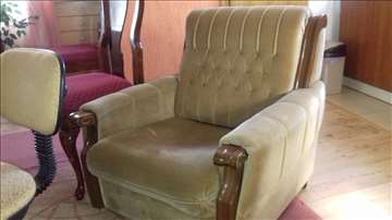 Fotelja lepa..očuvana