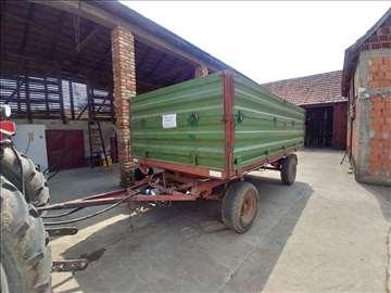 Prodajem traktorsku prikolicu