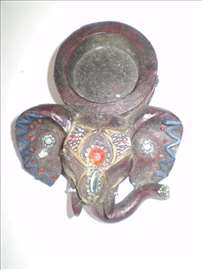 Drzac za svecu slon