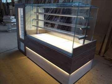 Tople i neutralne vitrine, 4 izložbena nivoa