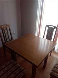 Prodajem novi trpezarijski sto sa četiri stolice