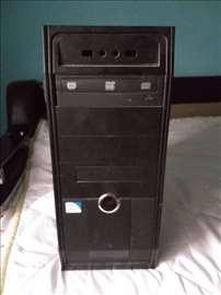 Na prodaju komp podignut sistem Win7 64-bit