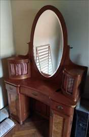 Stilska komoda sa ogledalom