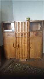 Prođite jeftino sa stilom iz 1959 Vitrina i komoda