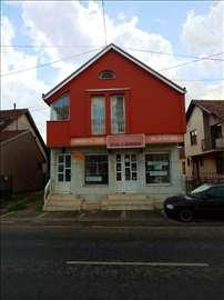 Prodajem kucu 95m2 u ul. Karadjordjeva, Kraljevo.