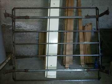 Fadipov metalni krovni nosac