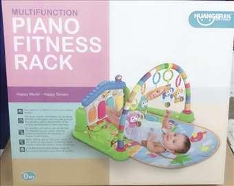 Piano fitnes podloga za bebu