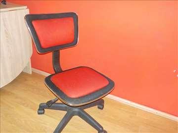 Daktilo stolica, okretna