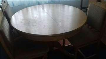 Prodajem kuhinjski sto i stolice