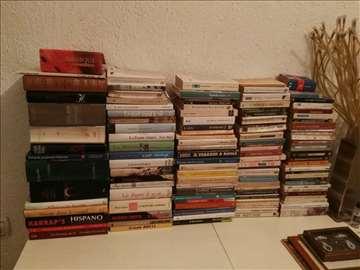 Prodajem 550  knjiga na italijanskom i francuskom