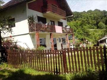 Na prodaju kuca okolina Loznice, Vocnjak