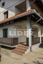 Kuća u Batajnici na 6 ari placa ID#88922