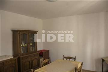 Uknjižena kuća u Batajnici ukupne kvadrature 82m2