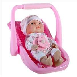 Beba sa dudom u nosiljci