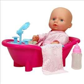 Beba sa kadicom i dodatnom opremom