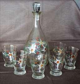 Stakleni servis za vino i vaza