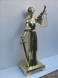 Mesing - velika livena figura boginja pravde