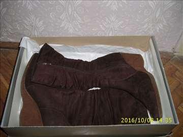 Čizme braon boje vel 37-sniženje
