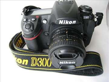 Nikon D300 telo sa samo 14.406 okidanja - kao novo