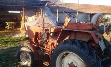 Prodajem traktor Vladimirec T25