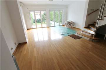 LUX kuća sa dvorištem, garaža+parking! ID 2650