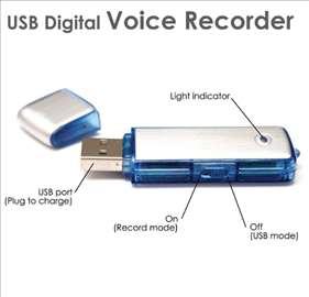Prisluškivčc audio USB 8GB  flaska diktafon