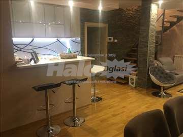 Lux kuća 200m2, Novi Beograd, Vinogradska 62