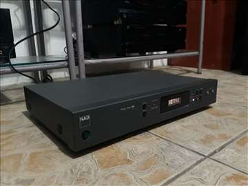 NAD stereo tuner 402
