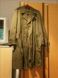 Prodajem vojni mantil Montgomery