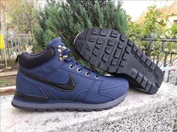 Nike Teget Zimske Cipele-Nepromocive-Br. 41-46