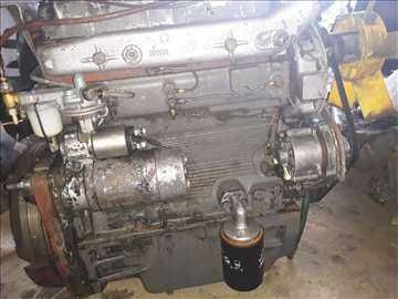 Motor za traktor 560