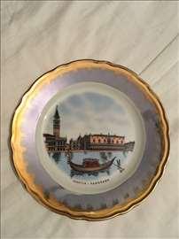 Ukrasni tanjir od porcelana