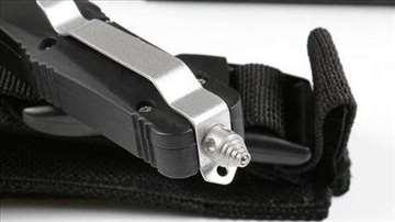 Microtech nož