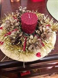 Novogodišnji ukras-Ikebana od šišarki