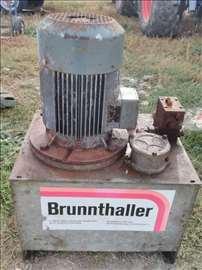 Trofazna hidraulicna pumpa(Nemacka)