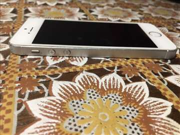 Prodajem iPhone 5s ili Samsung Galaxy grand prime