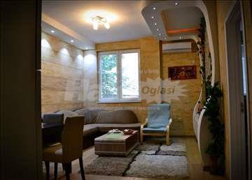 Prodajem Dvo ipo soban stan kod Zire (renoviran)