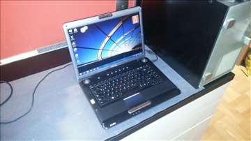 Toshiba a 300-1 dg Vrhunski Multimedijalni Laptop