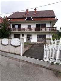 Rača (Kragujevačka) uknjižena porodična kuća 300 m